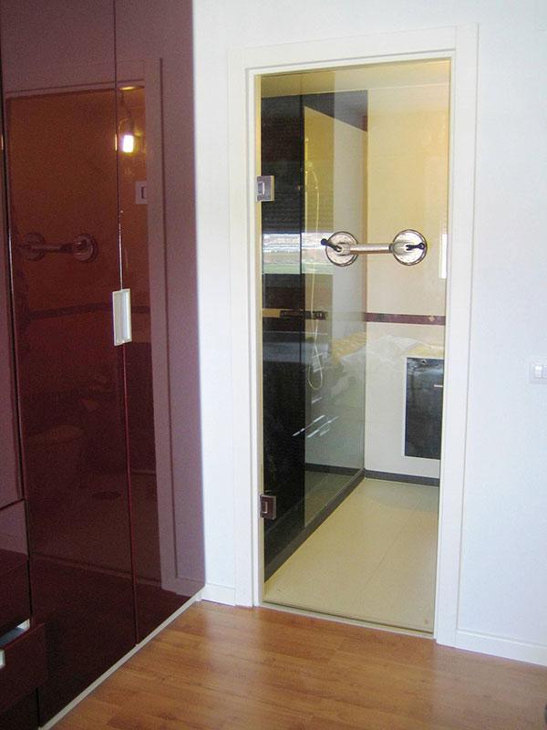 ejemplo de montaje de puerta con bisagras grados sin obra