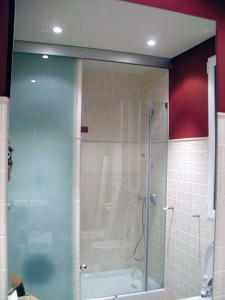 Puertas Para Baño Cristal:PINCEL CRISTAL – Mamparas de baño y puertas de cristal con bisagra o